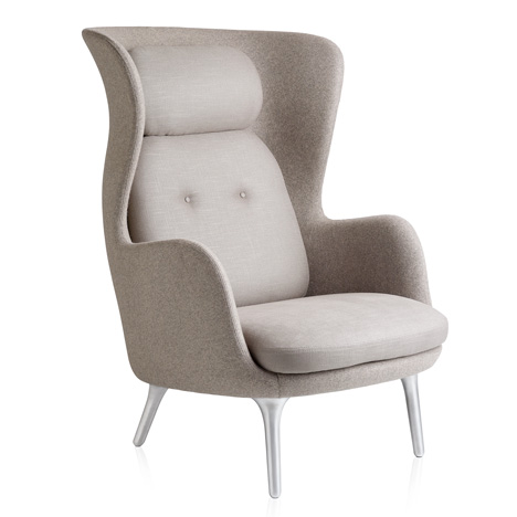 Ro-armchair-by-Jaime-Hayon-for-Fritz-Hansen_3