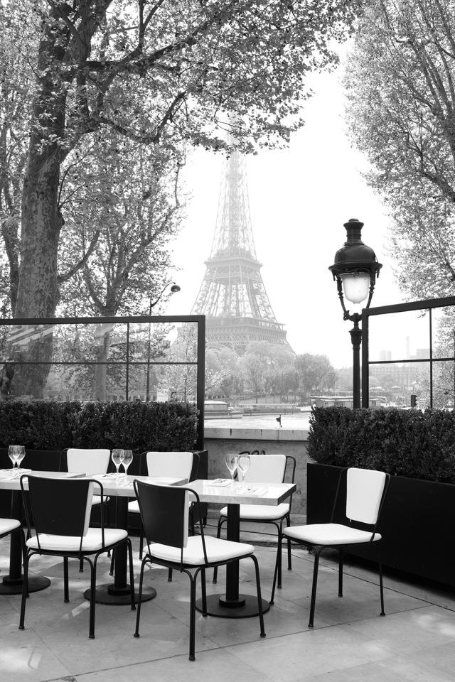 Monsieur-Bleu-Palais-de-Tokyo-Paris-03