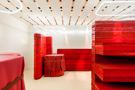 Studio-Toogood-installation-for-Hermes-Petit-h_2