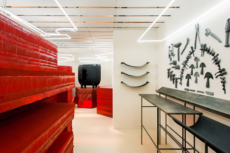 Studio-Toogood-installation-for-Hermes-Petit-h_3