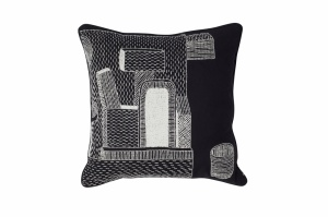 WH-Embroidered-Cushion-One-and-a-glass_Sofiliumm03